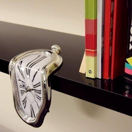 """Se cerchi un'idea regalo originale per una casa o un ufficio, questo """"Orologio molle"""" potrebbe davvero essere una perfetta idea unica ed economica."""
