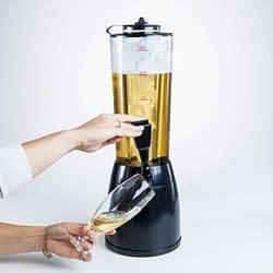 Trasforma il tuo angolo degli ospiti in un piccolo Bar con questo Distributore-Spillatore di bibite da casa.