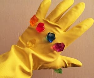 gadget Guanto di Thanos - Presa in giro
